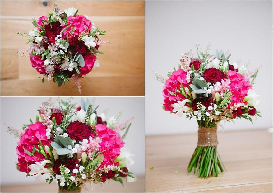 beautiful red and white wedding flowers