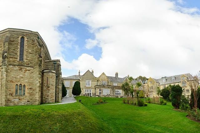 Beauitful panoramic of the Alverton Manor Hotel