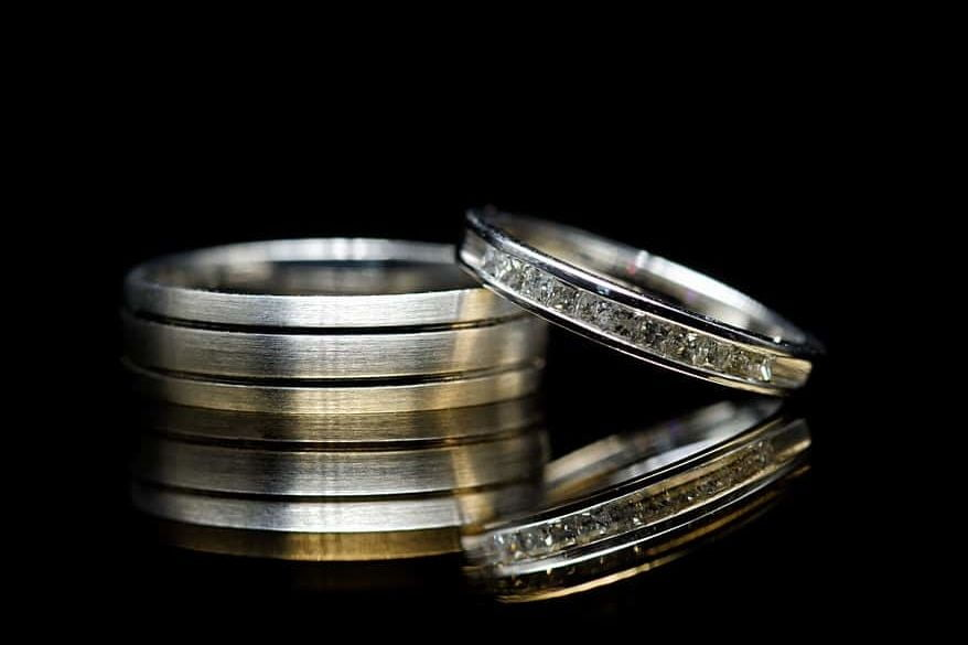 Wedding ring tutorial using a piano top
