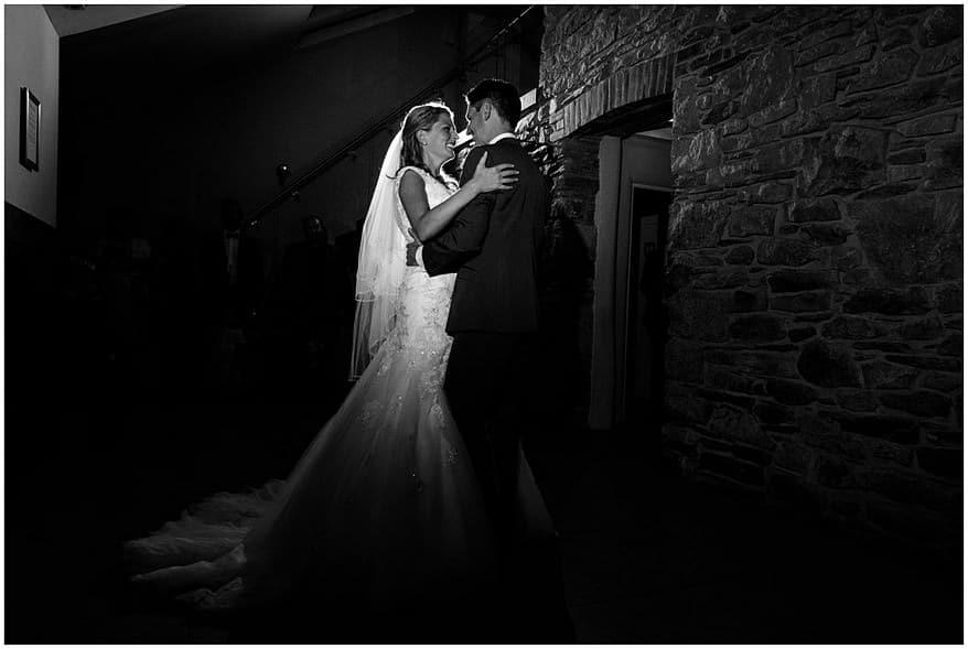 wedding dance at trevenna barns