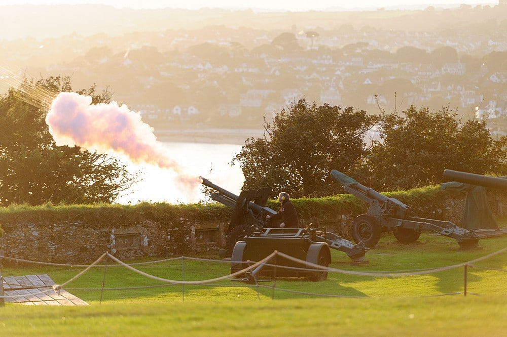 Pendennis Castle firing of the canon 83