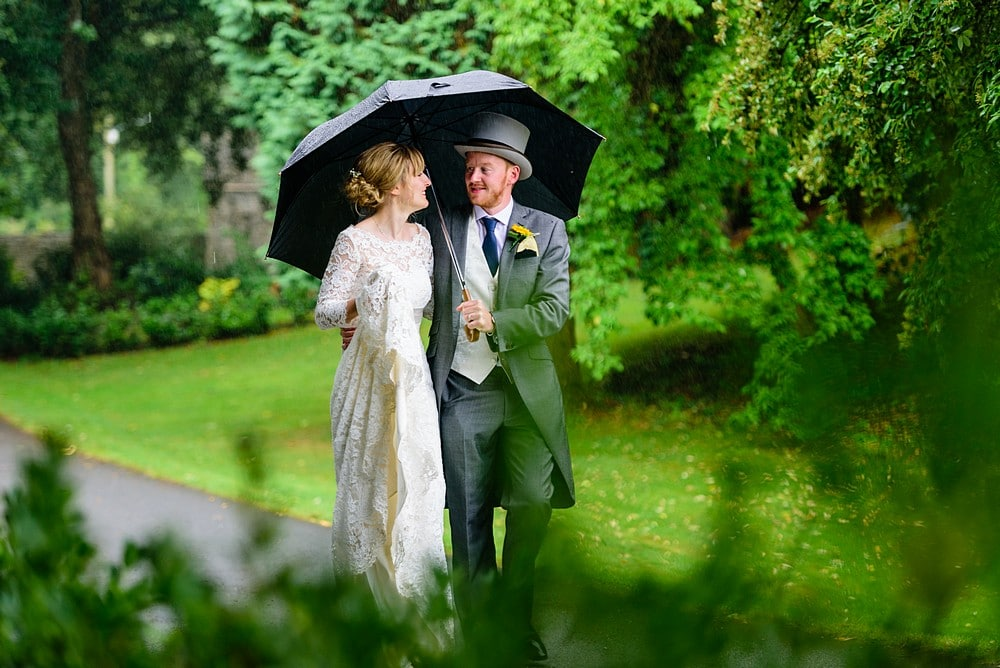 Rain at a wedding in Cornwall 149