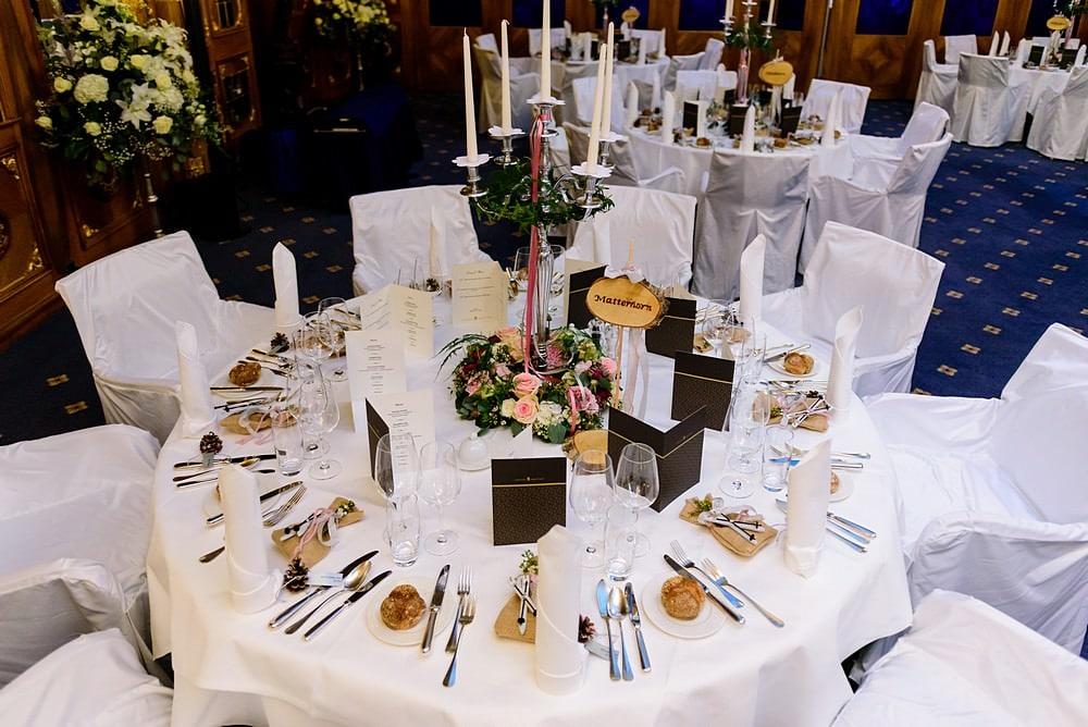 wedding table layout for a wedding at the Zermatterhof