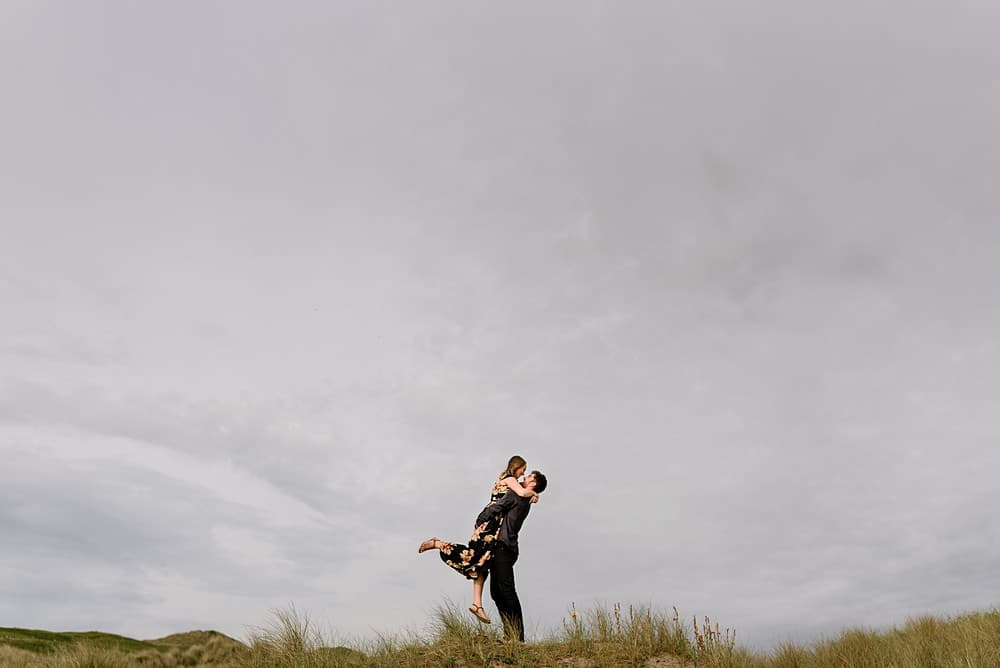 stunning engagement shot in cornwall