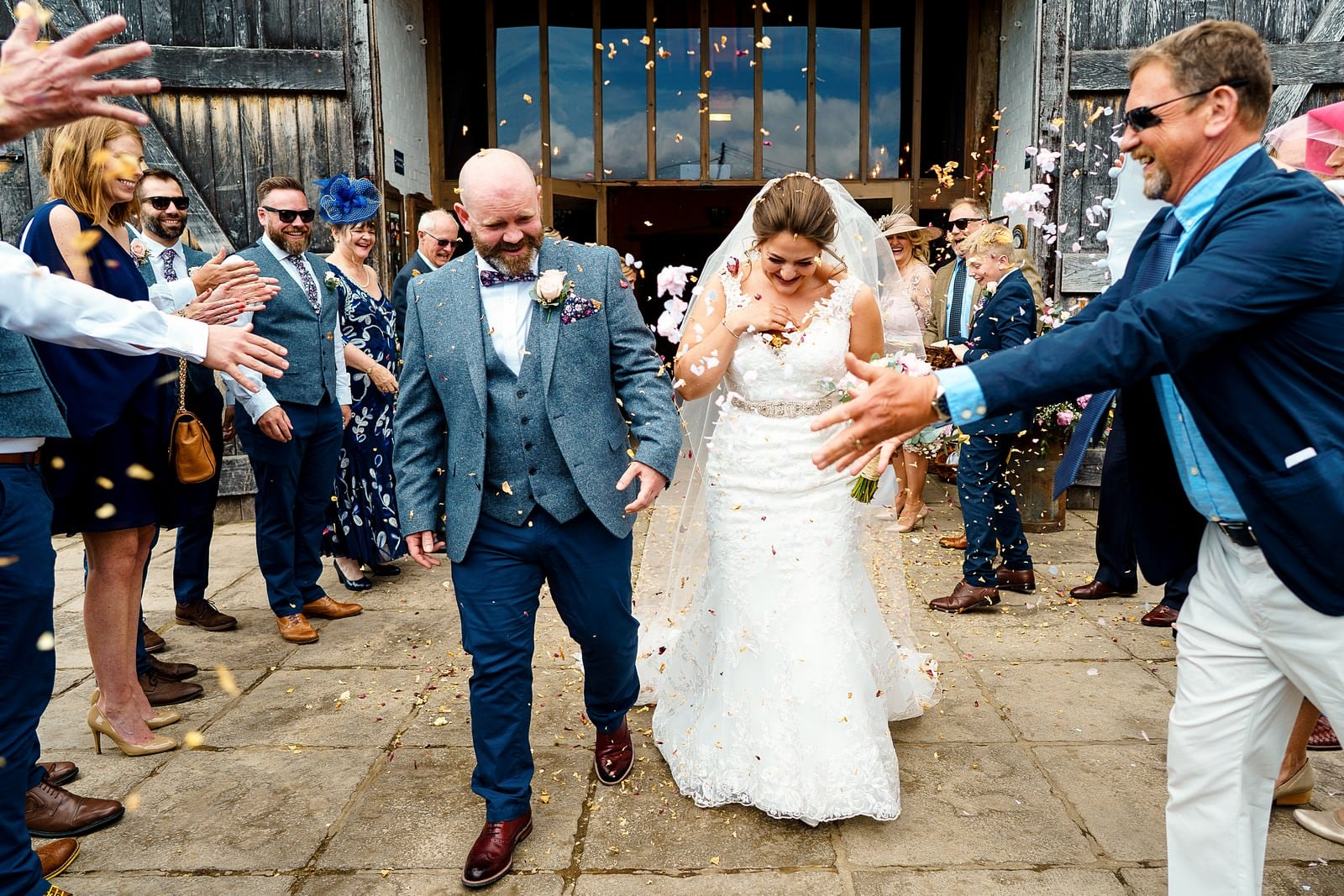 confetti at a ufton court wedding 2