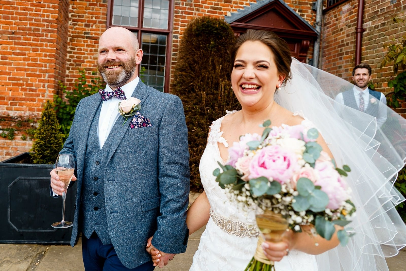 happy couple on their wedding day at ufton court 1
