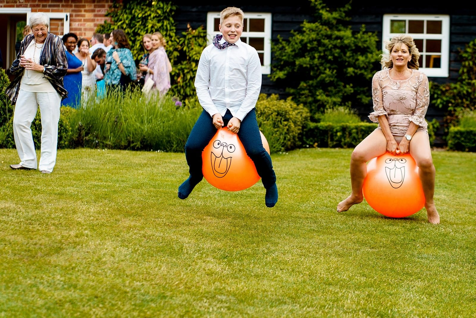 space hoppers at wedding at ufton court 1