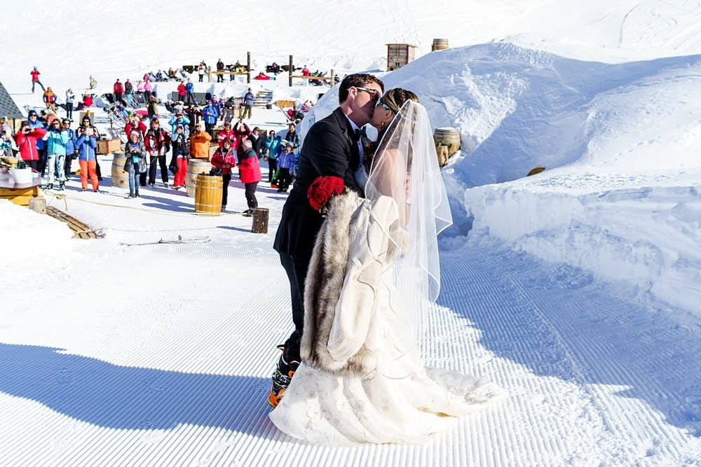 wedding at Iglu-dorf
