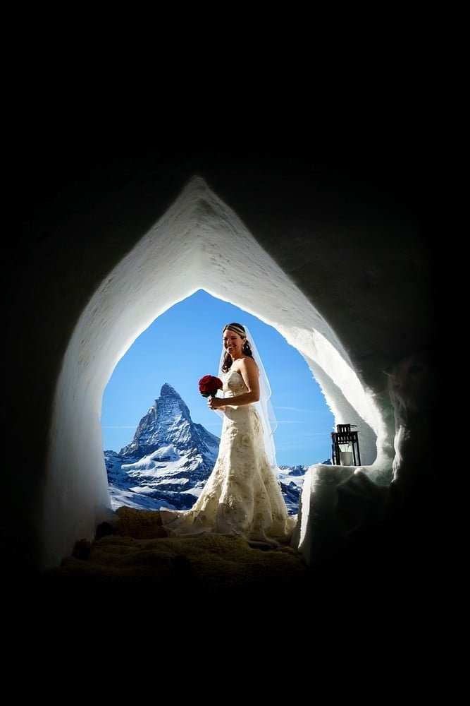 bride at Igloo dorf