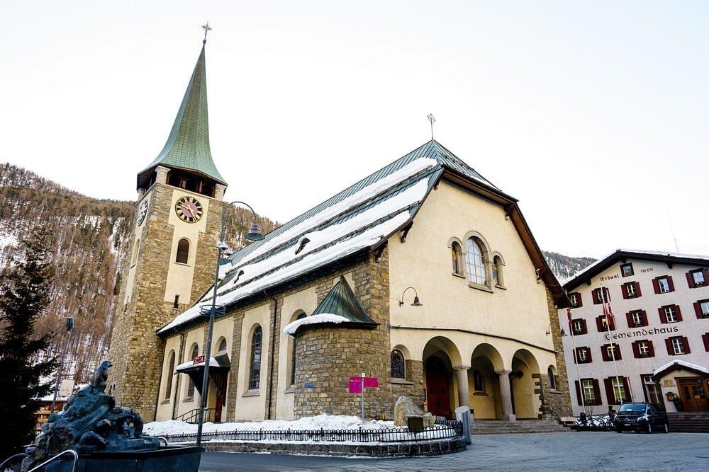Pfarrkirche St. Mauritius wedding in zermatt