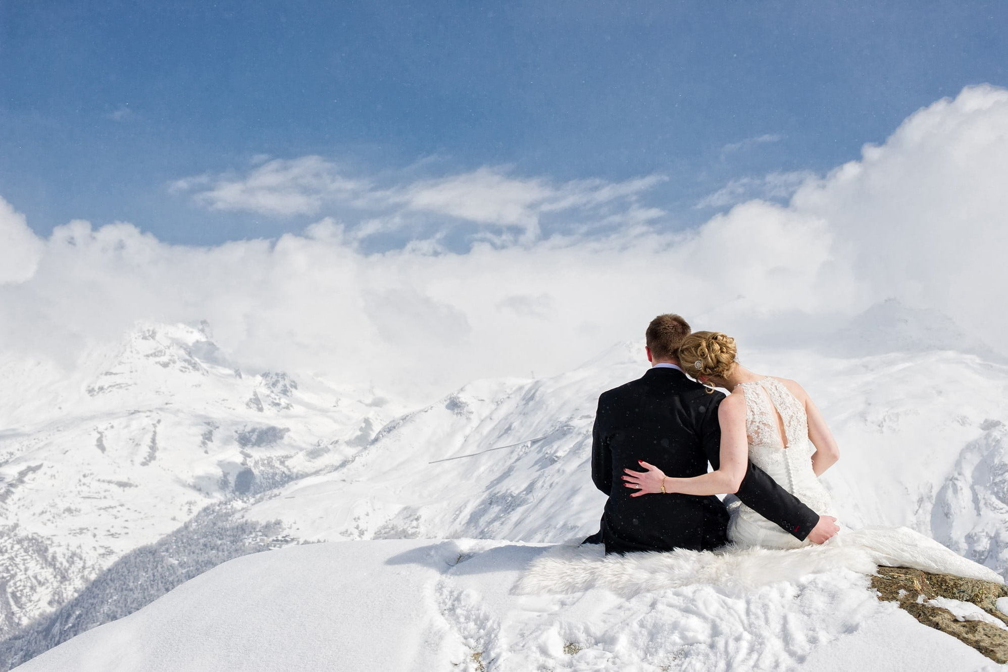wedding love in the mountains