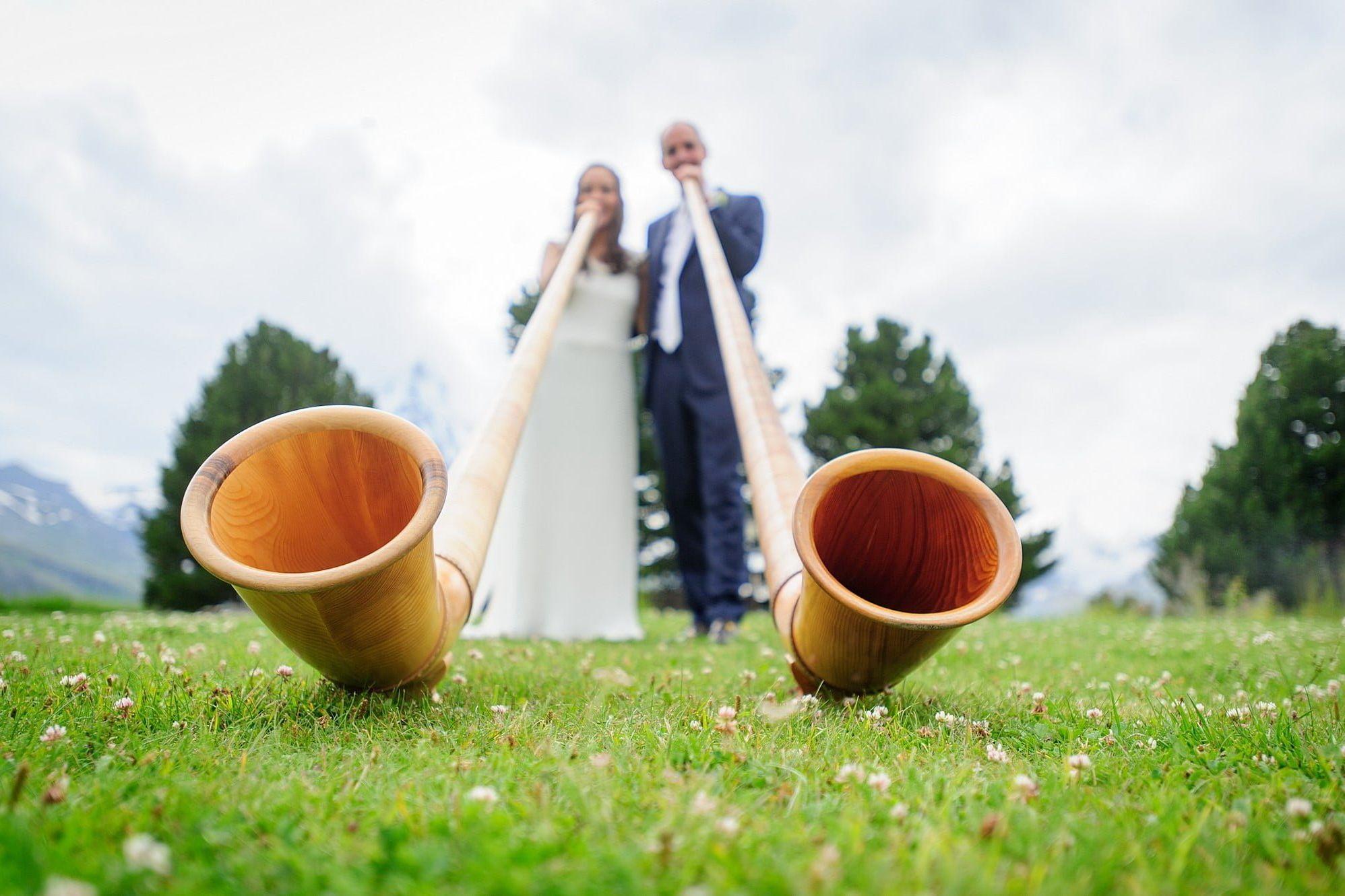 wedding alphorn players