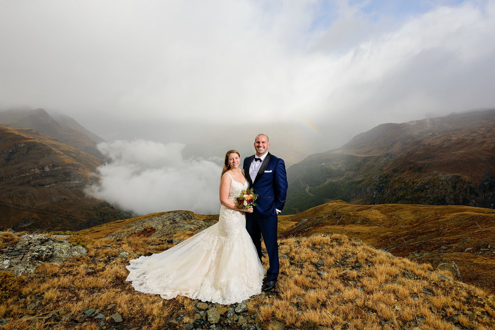 bride and groom with view of zermatt